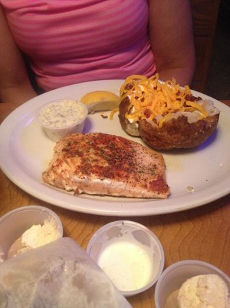 Texas Roadhouse: There Grill Salmon is Very Good!!
