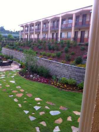 Days Inn Fultondale : Courtyard area and view from front building of back building