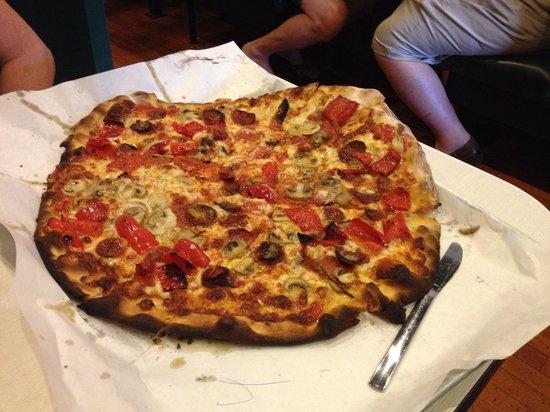 Frank Pepe Pizzeria Napoletana : Real pizza