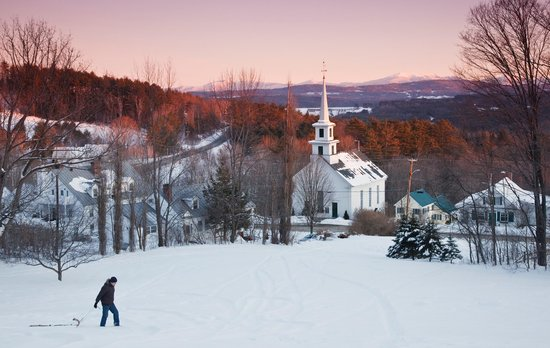 Rabbit Hill Inn: Lower Waterford Village in Vermont. Romantic, peaceful, and quiet vacation location