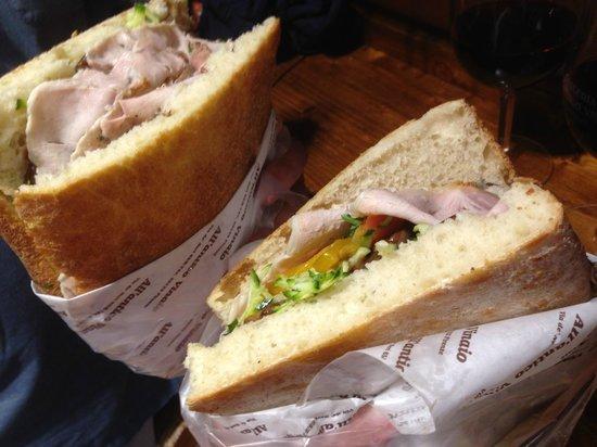 All' Antico Vinaio: Delicious Sandwiches!
