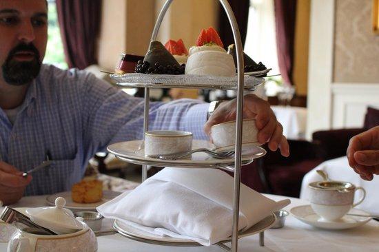 The Shelbourne Dublin, A Renaissance Hotel: High Tea