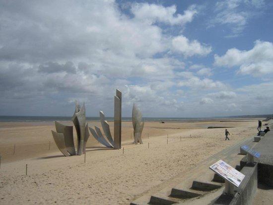 Omaha Beach : Monumento em homenagem ao Dia D