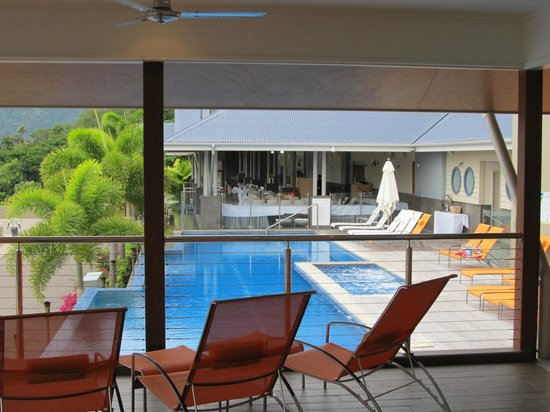 Peppers Airlie Beach: Pool area