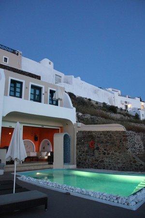 Afroessa Hotel : Pool + bar