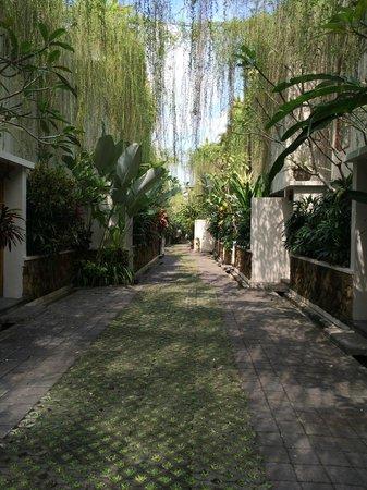 Villa Kayu Raja: Entrance View