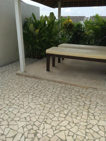 Villa Kayu Raja: Spa Bed at 3rd floor