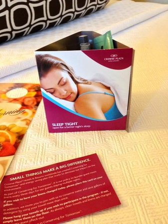 Crowne Plaza San Francisco Airport : Free spa stuff (night essentials)