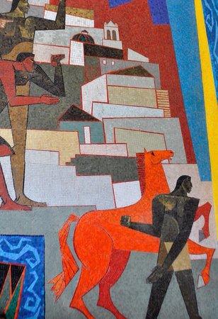 Palacio de Gobierno: Parte de la obra de Guayasamin representando la lucha contra los españoles