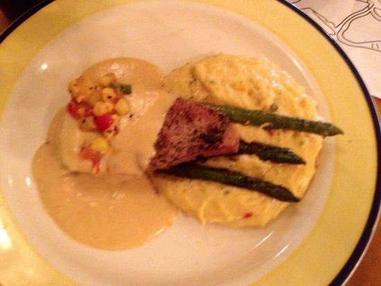 Coyote Blues : Tuna with corn grits