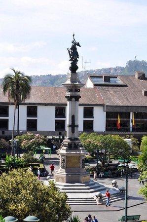 Plaza de la Independencia (Plaza Grande): Plaza vista desde el palacio presidencial