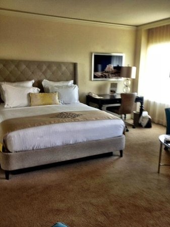 The Ritz-Carlton, San Juan: Junior Suite with balcony