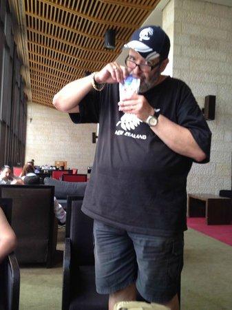 Dan Jerusalem Hotel : Drinking a Choco