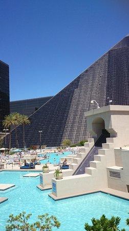 Luxor Las Vegas: Piscine