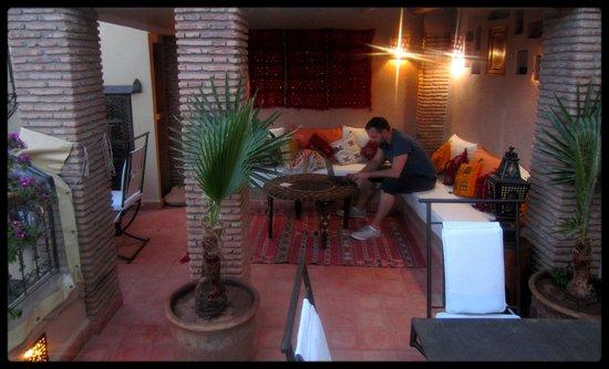 Riad Gallery 49: rooftop area