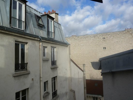 Hotel de Paris Maubeuge : Вид из номера