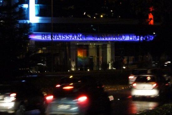 Renaissance Santiago Hotel: Nachteil: Viel Verkehr vor der Haustür