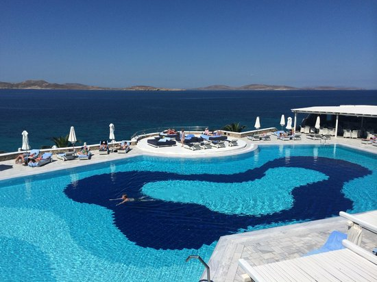Mykonos Grand Hotel & Resort: saltwater pool
