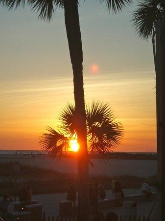 Sloppy Joe's Treasure Island: Florida Sunset