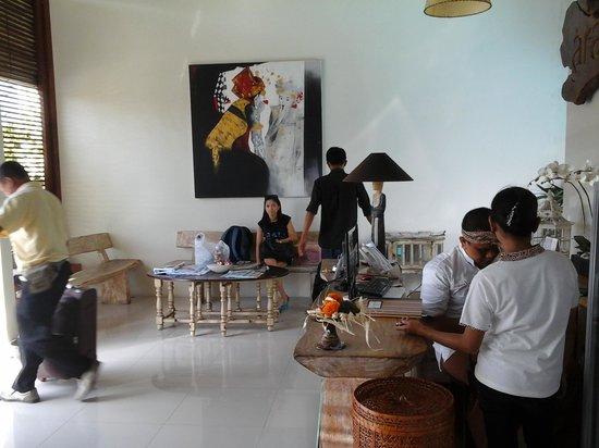 Arana Suite Hotel : Lobby Area