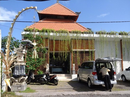 Arana Suite Hotel : Entrance to the villa