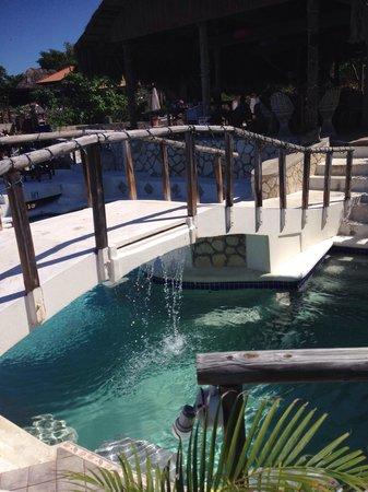 Catcha Falling Star: Pool at Catcha