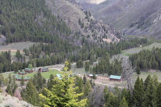 Diamond D Ranch: view of ranch from trail ride
