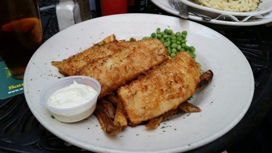 Waxy O'Connors on the Riverwalk: Fish and Chips