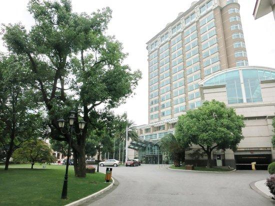 Radisson Blu Plaza Xingguo Hotel Shanghai: 入園景觀一偊