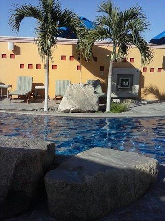 Hotel Quinta Del Sol: Un buen lugar,buena hubicacion,sobre todo buen precio.