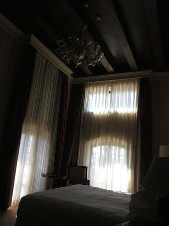 Hilton Molino Stucky Venice Hotel: Bedroom
