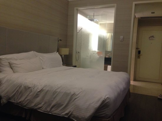 The Elizabeth Hotel by Far East Hospitality: Kamar premier lantai 8