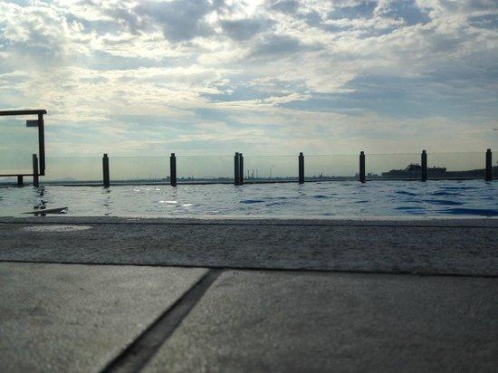 Hilton Molino Stucky Venice Hotel: Pool