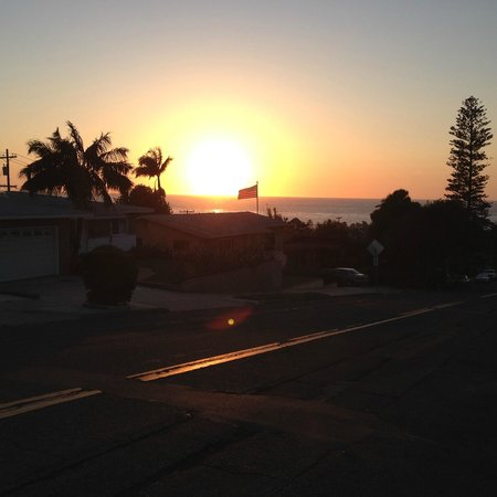 The Inn at Sunset Cliffs: Right up the street...Point Loma
