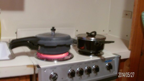 Apgar Village Lodge: Electric Range