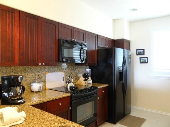 Fairway Villas: Full Kitchen Unit O-32