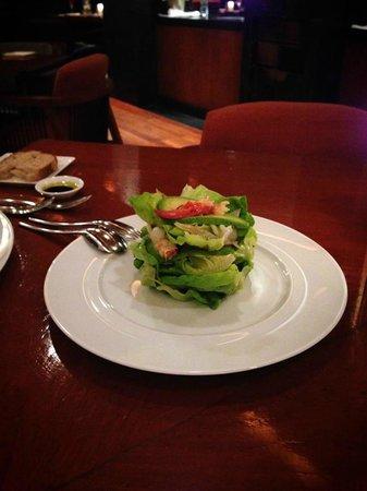 La Scala: アラスカン・ロブスター・サラダ。あっさりとしたドレッシングで、ロブスターの味が生かされていて美味しいです