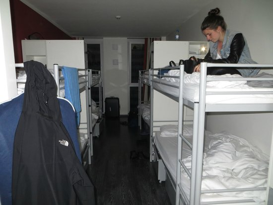 ONE80 Hostels Berlin: 8 bed room