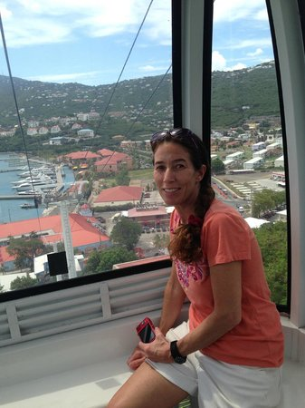 Skyride to Paradise Point: riding the tram