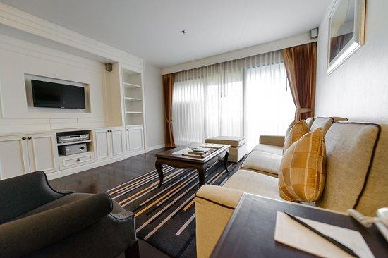 Bliston Suwan Park View : Platinum Suite