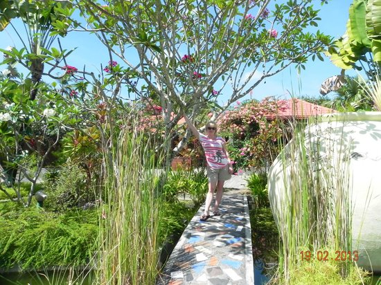 The Frangipani Langkawi Resort & Spa: перед входом на лобби