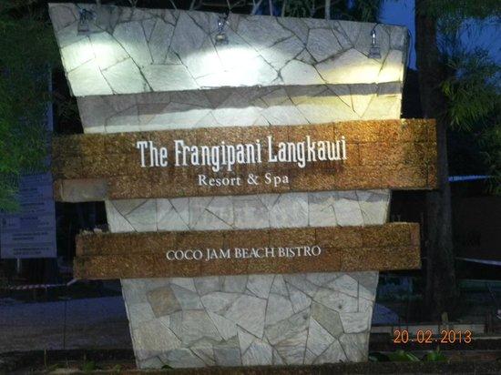 The Frangipani Langkawi Resort & Spa : поворот на отель с главной дороги
