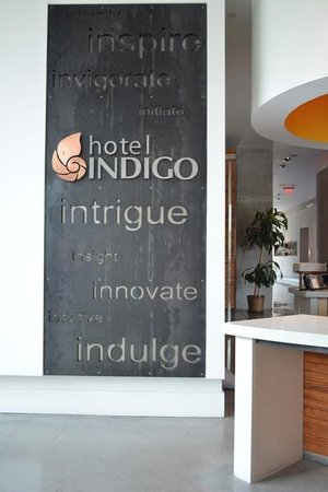 Hotel Indigo Athens-University area: Main entrance near business center (to the left of metal sign)