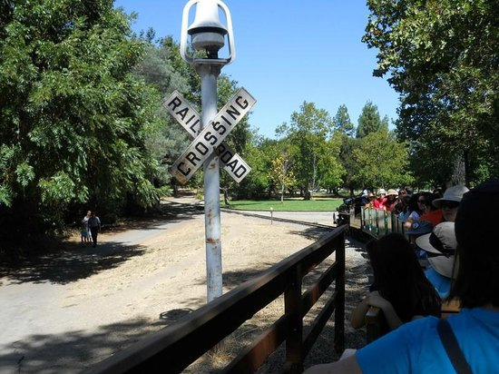 Billy Jones Wildcat Railroad: Trail crossing barrier and bell