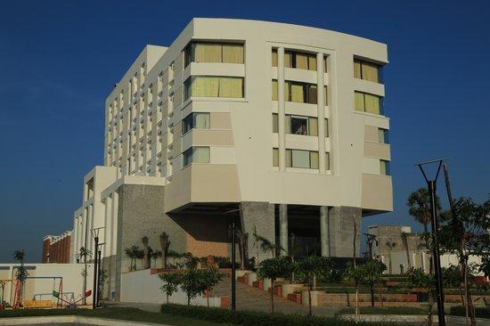 Dhanalakshmi Srinivasan Hotel