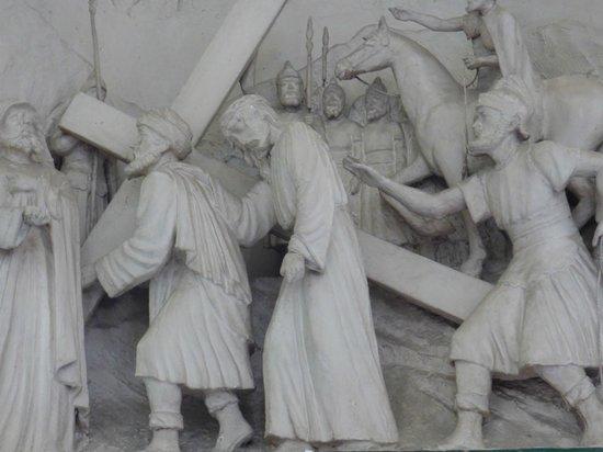 La Iglesia de Nuestra Senora de Guadalupe: Station of the Cross Bas-relief