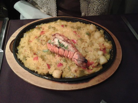 Bistro Narra: Seafood paella with lobster