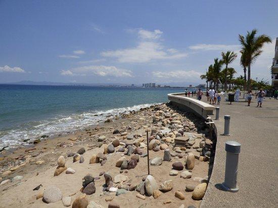 Puerto Vallarta's El Malecon Boardwalk: A Relaxing and Varied Walk