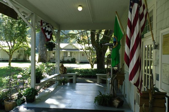Lake Crescent Lodge Restaurant: Entrance To Lake Crescent Lodge