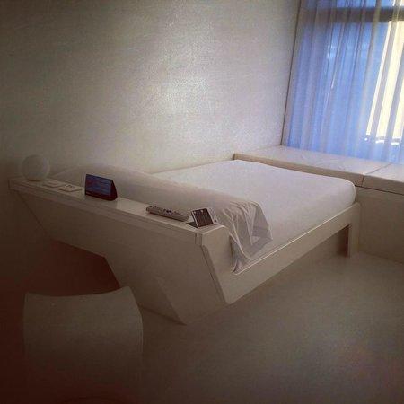 Hotel Puerta América: tempat tidur